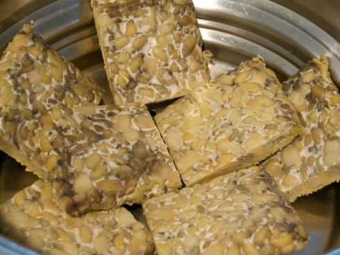 Steaming the tempeh.