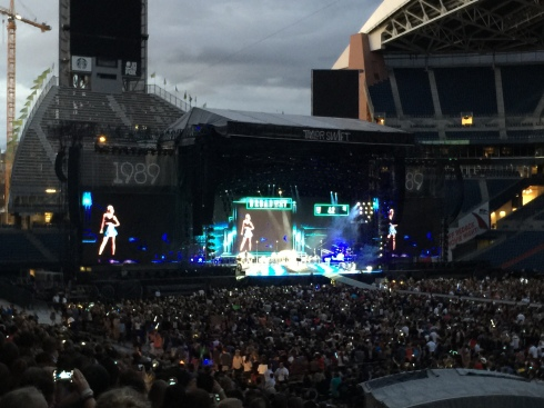 Taylor Swift in Seattle - August 8, 2015
